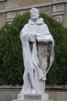 Monumento a Santo Domingo de Guzmán, fundador de la Orden de los
