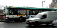 Autobus urbano, París, Francia