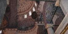 Interior del Yeni Camii, Estambul, Turquía