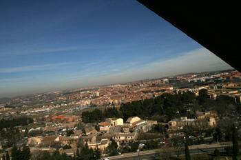 Persona enseña vistas de Toledo, Castilla-La Mancha
