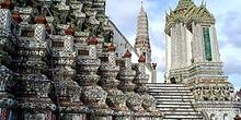 Detalle decoraciones Wat Arun, Bangkok, Tailandia