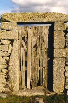Portezuela de acceso a finca en Bermillo de Sayago, Zamora, Cast