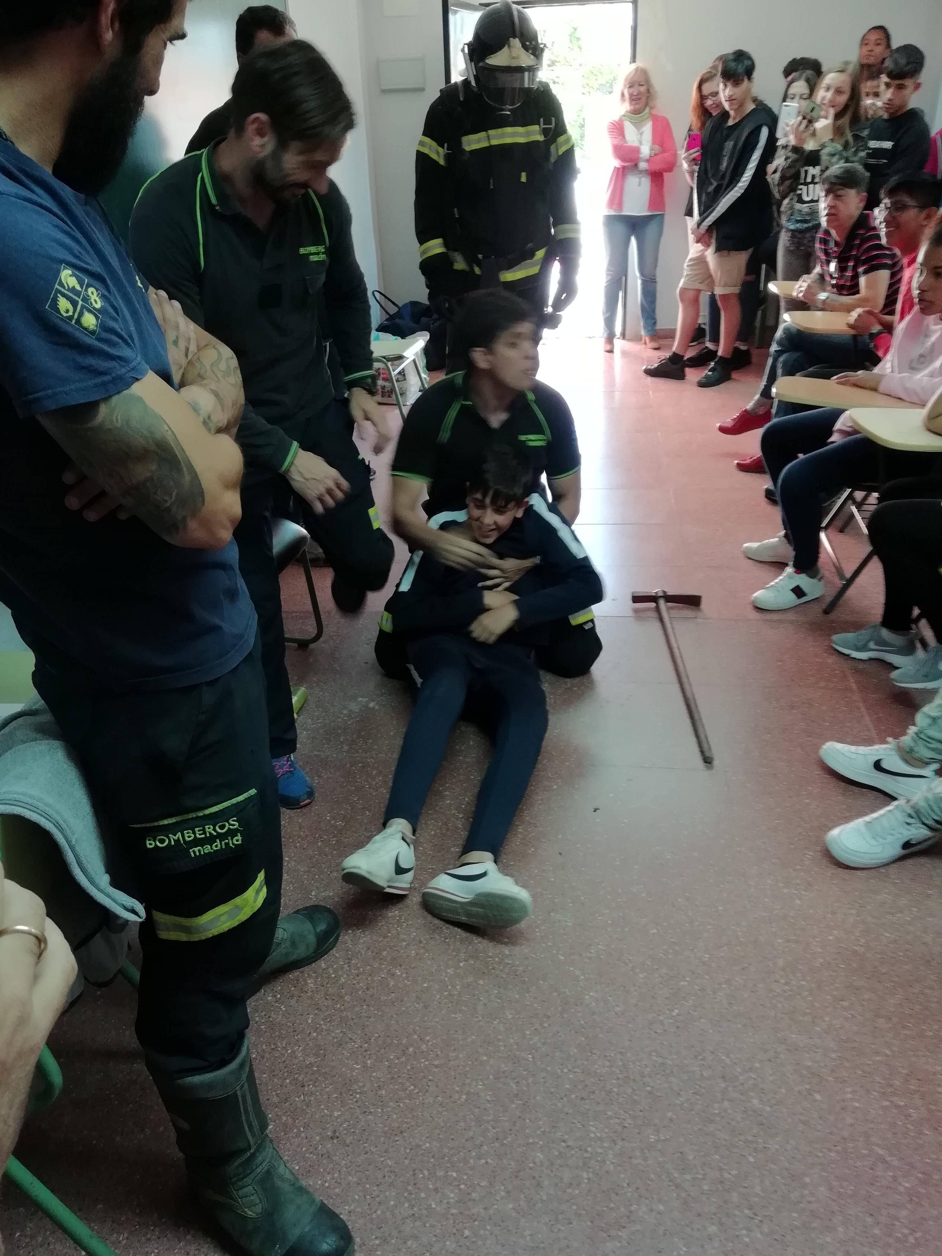 Visita de los bomberos a nuestro centro 3