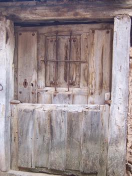 Puerta de vivienda tradicional, Calatañazor, Soria, Castilla y L