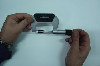 Micrómetro, Calibración.