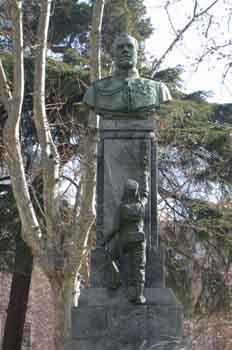 Monumento al capitán ángel Melgar y Mata, Madrid