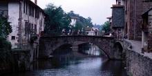 Puente medieval en Saint Jean Pied du Port, Francia