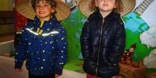 """Infantil 3 años y 1º de Primaria visitan los expositores del la """"Vuelta al Mundo"""" 12"""