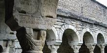 Arcos del claustro. Iglesia de Roda de Isábena, Huesca