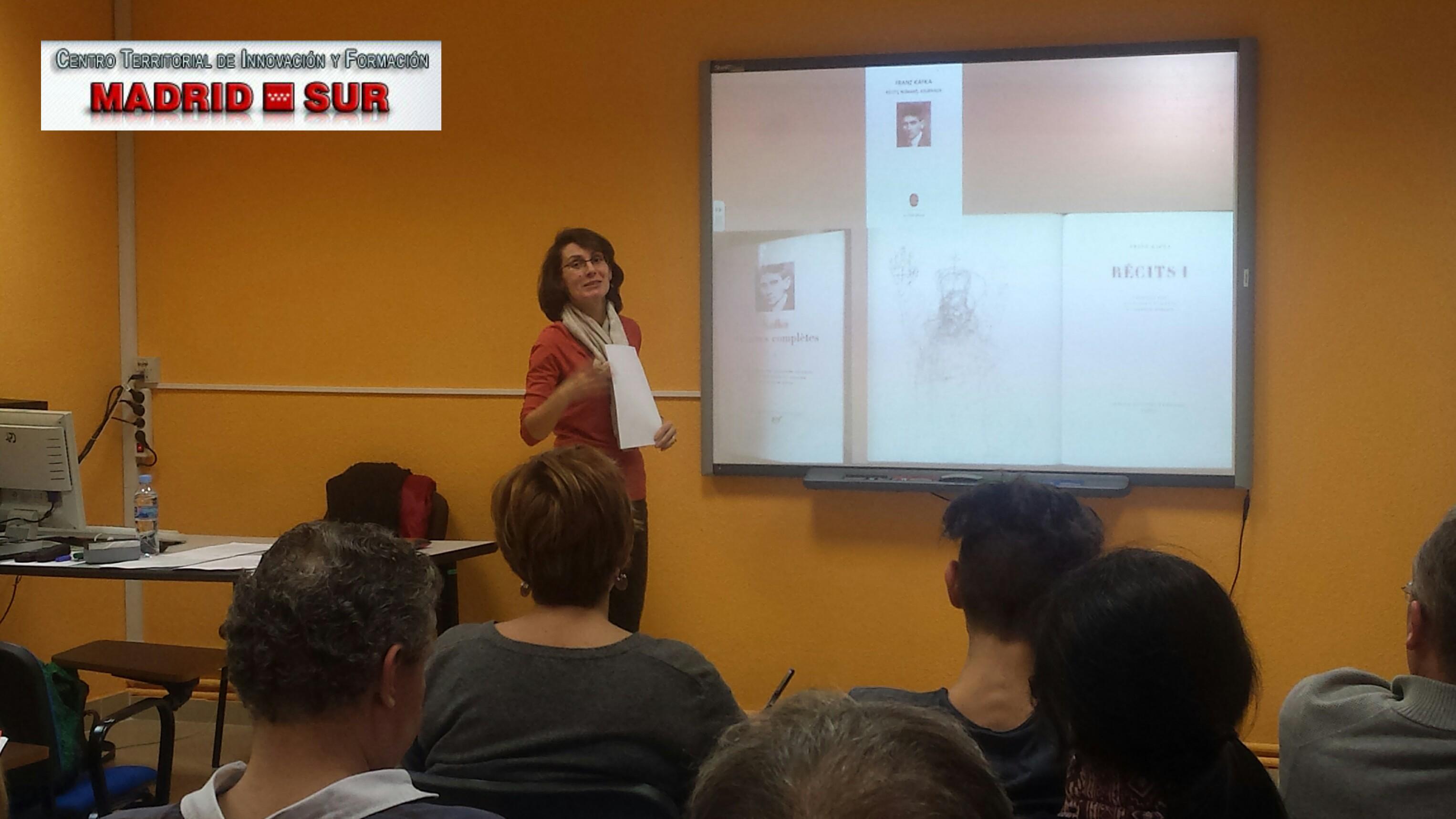 Dña. Pilar Andrade Boué