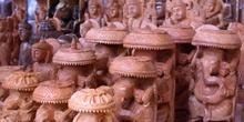 Figuras talladas en madera