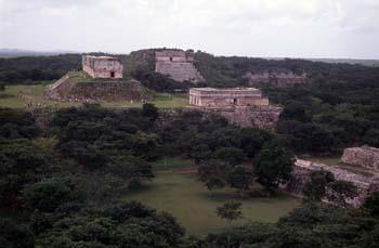 Palacio del Gobernador, Gran Pirámide y Casas de las Tortugas y
